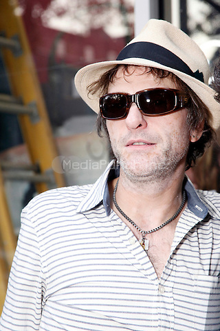 PHILADELPHIA, PA - AUGUST 29 :  Tommy Stinson pictured in Philadelphia, Pa on August 29, 2013  ***EXCLUSIVE***  © Star Shooter / MediaPunch Inc