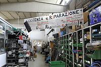 Trezzano sul Naviglio (Milano) - Ri-Maflow, fabbrica recuperata e autogestita dagli ex dipendenti, laboratorio per la riparazione e riciclo di computer<br /> <br /> Trezzano sul Naviglio (Milan) - Rimaflow, recuperated factory and self-managed by former employees, laboratory for the repair and recycling of computer