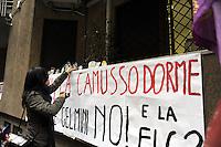 Roma, 19 Gennaio 2011.Sit in del Coordinamento Precari Scuola davanti la sede della CGIL funzione pubblica uìin via Leopoldo Serra per chiedere lo sciopero di categoria e uno sciopero generale..I manifestanti con sveglie per la Camusso