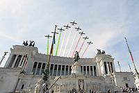Roma, 2 Giugno 2017<br /> Frecce tricolori passano sull'Altare della Patria<br /> 71&deg;anniversario Festa della Repubblica