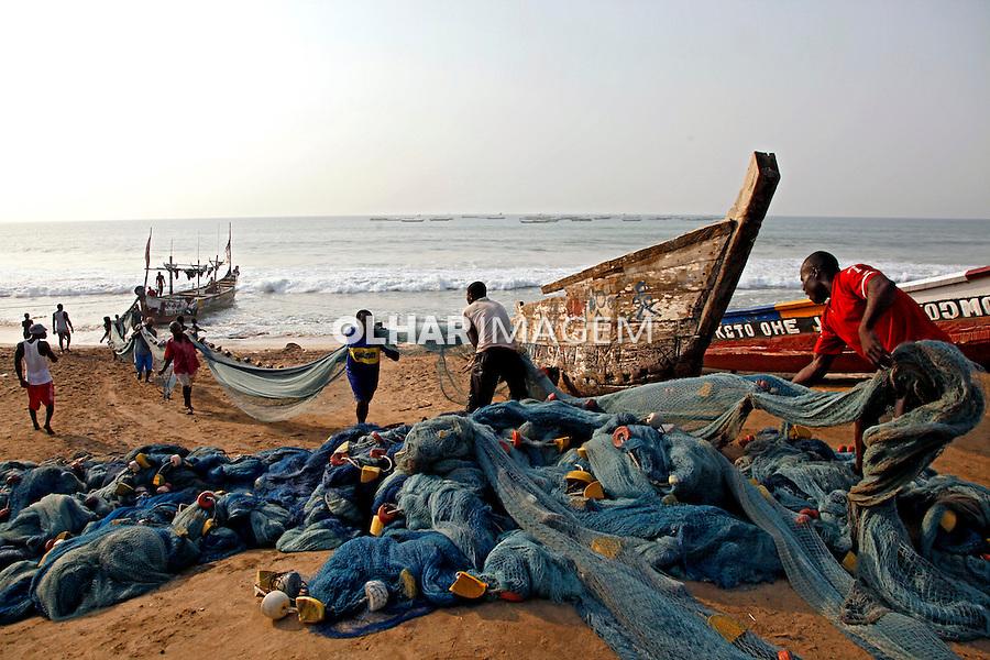 Pescadores na praia em Ningo.  Ghana. 2010. Foto de Caio Vilela.