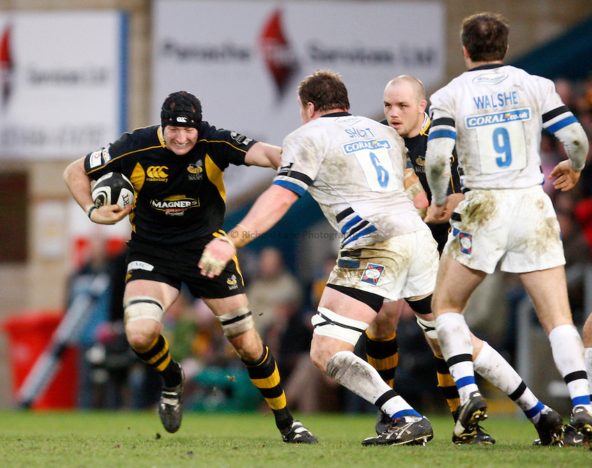 Photo: Richard Lane/Richard Lane Photography..London Wasps v Bath Rugby. Guinness Premiership. 29/12/2007. .Wasps' George Skivington attacks.