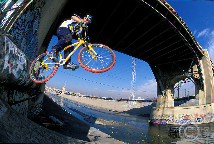 Hans Rey.LA River bridge jump.pic © Steve Behr/Stockfile