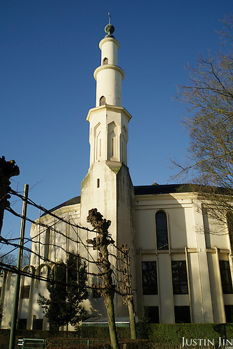 The central mosque in Brussels on the side of the Parc du Cinquantenaire.