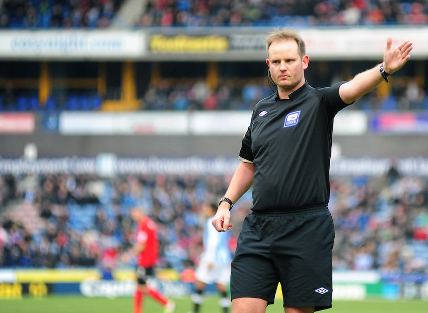 Referee Mark Brown ..Football - npower Football League Championship - Huddersfield Town v Cardiff City  - Saturday 9th February 2013 - John Smith's Stadium - Huddersfield..