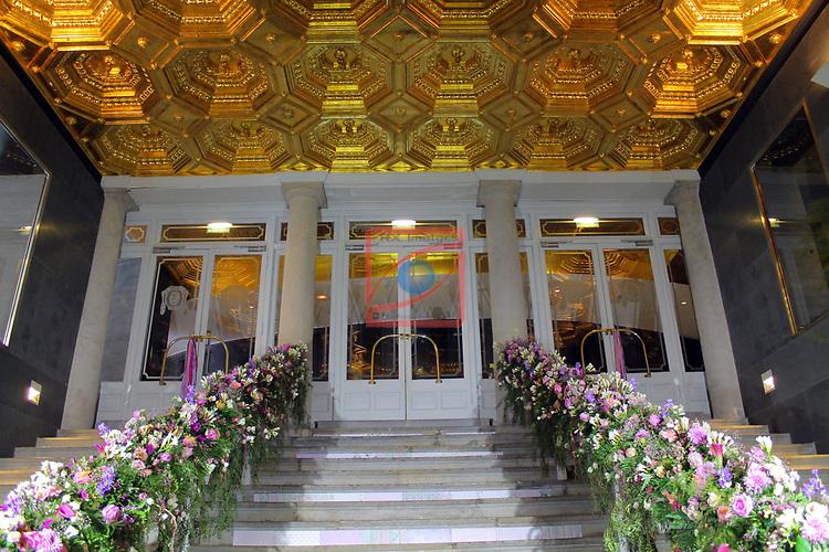 Girona Temps de Flors.<br /> 62a Exposicio de Flors, Monuments, Patis i Jardins.<br /> Teatre Municipal.