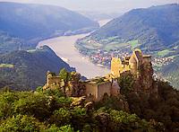 Austria, Lower Austria, Wachau, Castleruin Aggstein above river Danube