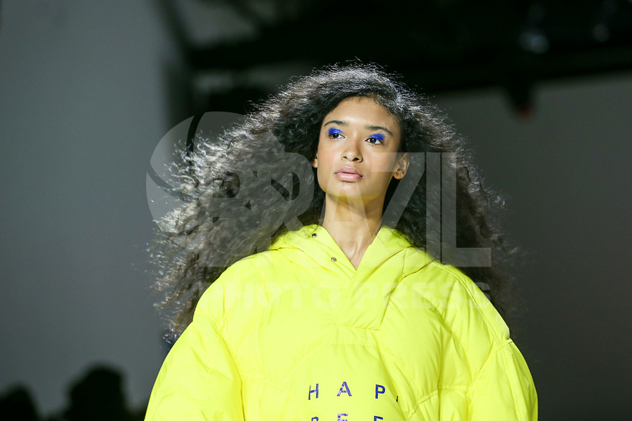 NOVA YORK, EUA - 09.02.2019 - MODA-NOVA YORK - Modelo durante desfile Pony x Harbin no New York Fashion Week (NYFW) em Nova York neste sabado,09. (Foto: Vanessa Carvalho/Brazil Photo Press/Folhapress)
