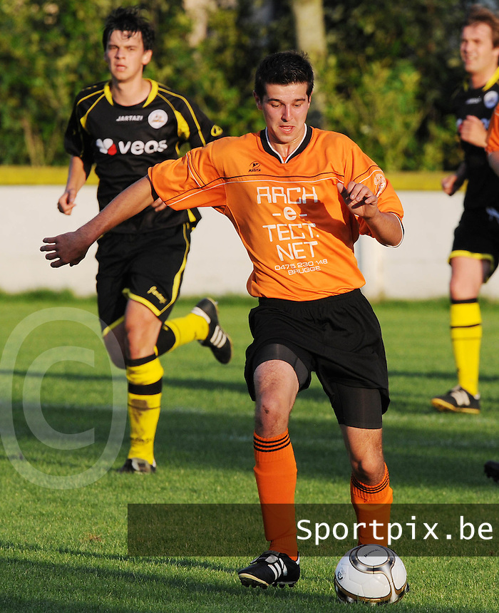 K SV Loppem : Stijn Moeyaert.foto VDB / BART VANDENBROUCKE