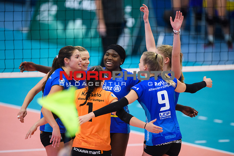 02.12.2018, Halle Berg Fidel, Muenster<br />Volleyball, Bundesliga Frauen, Normalrunde, USC MŸnster / Muenster vs. Allianz MTV Stuttgart<br /><br />Jubel Sarah Wilhite (#2 Stuttgart), Paige Tapp (#17 Stuttgart), Roosa Koskelo (#1 Stuttgart), Krystal Rivers (#13 Stuttgart), Jana Franziska Poll (#9 Stuttgart), Pia KŠstner / Kaestner (#10 Stuttgart)<br /><br />  Foto &copy; nordphoto / Kurth