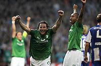 FUSSBALL   1. BUNDESLIGA   SAISON 2011/2012    7. SPIELTAG SV Werder Bremen - Hertha BSC Berlin                   25.09.2011 Torschuetze Claudio PIZARRO (Bremen) jubelt nach seinem Tor zum 2:1