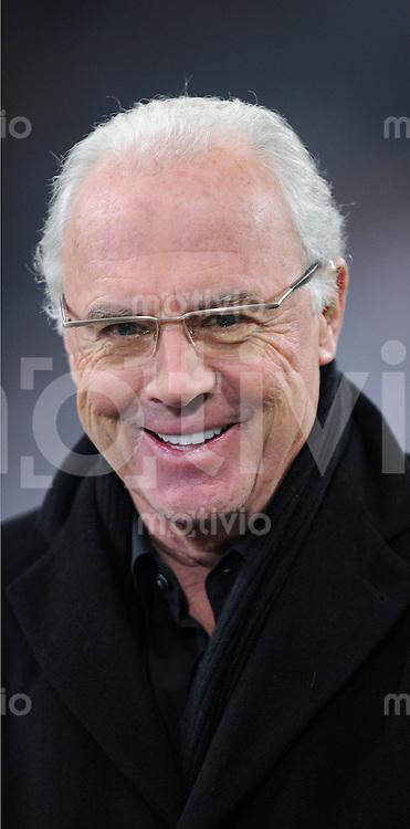 Fussball 1. Bundesliga   Saison   2009/2010  18. Spieltag  15.01.2010 FC Bayern Muenchen  - 1899 Hoffenheim FC Bayern Ehrenpraesident und TV Experte Franz Beckenbauer