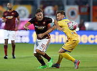 Calcio, Serie A: Frosinone vs Roma. Frosinone, stadio Comunale, 12 settembre 2015.<br /> Roma&rsquo;s Francesco Totti, left, is challenged by Frosinone&rsquo;s Daniel Pavlovic during the Italian Serie A football match between Frosinone and Roma at Frosinone Comunale stadium, 12 September 2015.<br /> UPDATE IMAGES PRESS/Riccardo De Luca