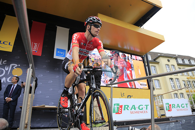 Jurgen Roelandts (BEL) Lotto-Soudal at sign on in Dusseldorf before the start of Stage 2 of the 104th edition of the Tour de France 2017, running 203.5km from Dusseldorf, Germany to Liege, Belgium. 2nd July 2017.<br /> Picture: Eoin Clarke | Cyclefile<br /> <br /> <br /> All photos usage must carry mandatory copyright credit (&copy; Cyclefile | Eoin Clarke)