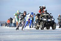 SCHAATSEN: EMMEN: Grote Rietplas, KPN NK Marathon Natuurijs, 08-02-2012, Frank Vreugdenhil (69) op kop, ©foto: Martin de Jong