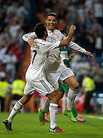 MADRID - ESPAÑA - 23-09-2014: Cristiano Ronaldo, jugador de Real Madrid celebra el gol anotado al Eche  durante partido de la Liga de España, Real Madrid y Elche en el estadio Santiago Bernabeu de la ciudad de Madrid, España.  / Cristiano Ronaldo, player of Real Madrid celebrates a scored goal to Elche during a match between Real Madrid and Elche for the Liga of Spain in the Santiago Bernabeu stadium in Madrid, Spain Photo: Asnerp / Patricio Realpe / VizzorImage.