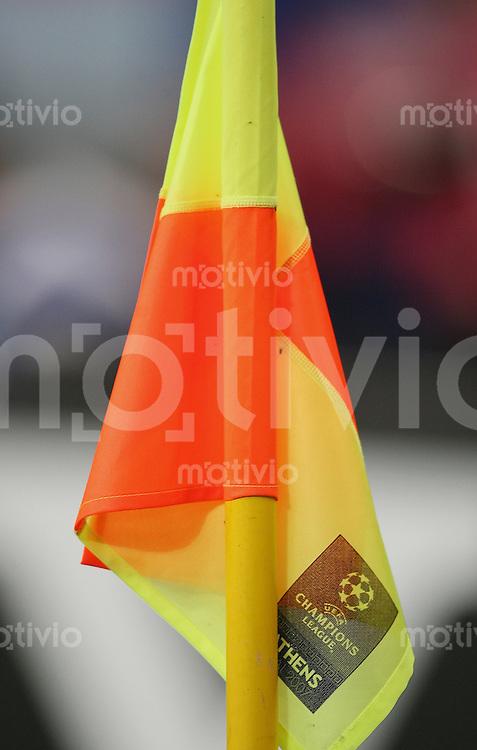 Fussball CHL Finale AC Mailand 2-1 FC Liverpool Eckfahne mit CHL Logo