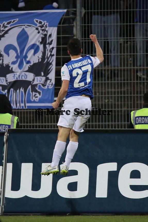 Torjubel Milan Ivana (SV98) beim 3:0