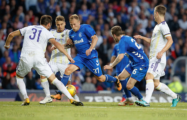 09.08.18 Rangers v Maribor: Scott Arfield powers his way through
