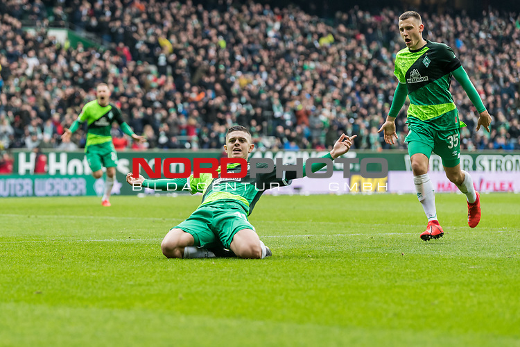10.02.2019, Weserstadion, Bremen, GER, 1.FBL, Werder Bremen vs FC Augsburg<br /> <br /> DFL REGULATIONS PROHIBIT ANY USE OF PHOTOGRAPHS AS IMAGE SEQUENCES AND/OR QUASI-VIDEO.<br /> <br /> im Bild / picture shows<br /> Milot Rashica (Werder Bremen #11) bejubelt seinen Treffer zum 3:0 mit Maximilian Eggestein (Werder Bremen #35), <br /> <br /> Foto © nordphoto / Ewert