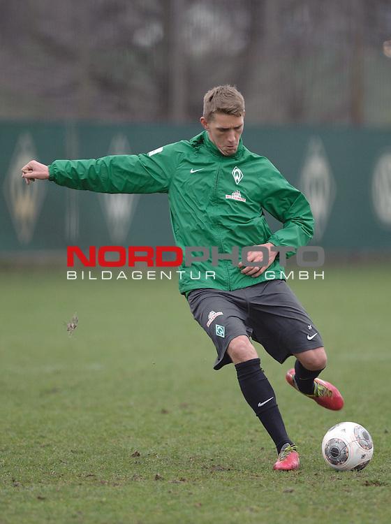 22.01.2014, Trainingsgelaende, Bremen, GER, 1.FBL, Training Werder Bremen, im Bild Nils Petersen (Bremen #24)<br /> <br /> Foto &copy; nordphoto / Frisch