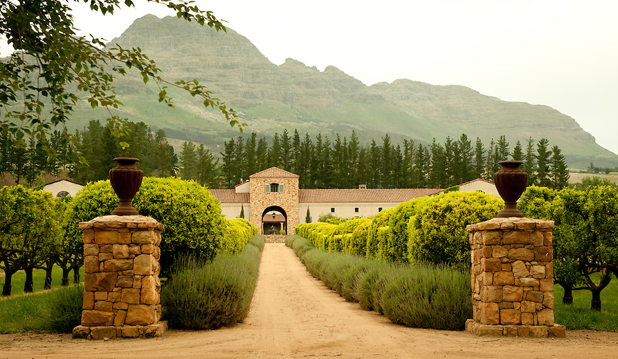 Waterford estate stellenbosch region south africa for Jardin winery south africa