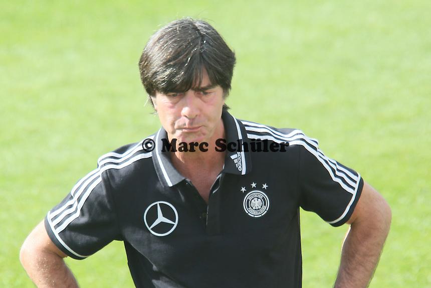 Joachim Löw nicht sehr glücklich - Testspiel der Deutschen Nationalmannschaft gegen die U20 zur WM-Vorbereitung in St. Martin