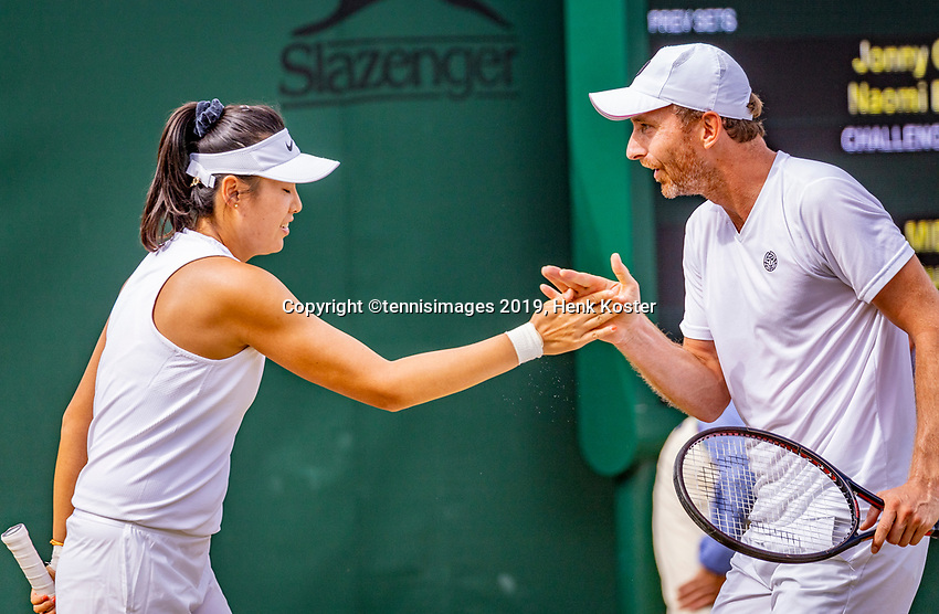 London, England, 5 July, 2019, Tennis,  Wimbledon, Mixed doubles: Zhaoxuan Yang (CHN) and Matwe Middelkoop (NED)<br /> Photo: Henk Koster/tennisimages.com