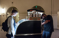 The Coffee Cart photographed in the Berkus Courtyard on April 30, 2015. (Photo by Nick Harrington, Occidental College Class of 2017)