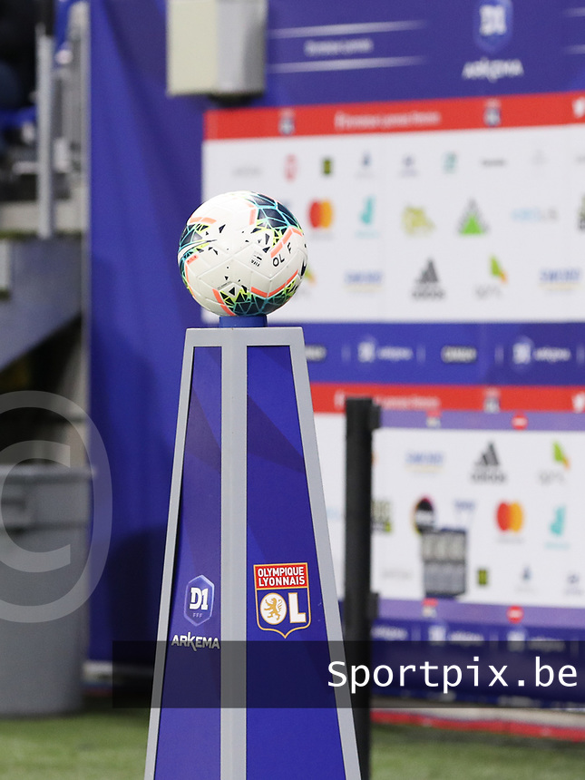 20191116 – LYON ,  FRANCE ; Matchball is pictured before the women's soccer game between Olympique Lyonnais and PARIS SG on the 9th matchday of the French Women's first league , D1 of the 2019-2020 season , Saturday 16 th November 2019 at the Groupama stadium in Lyon , France . PHOTO SPORTPIX.BE | SEVIL OKTEM