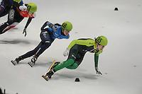 SHORTTRACK: DORDRECHT: Sportboulevard Dordrecht, 24-01-2015, ISU EK Shorttrack, Sofia PROSVIRNOVA (RUS | #148), Agne SEREIKAITE (LTU | #135), ©foto Martin de Jong