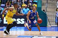 Philip Scrubb (Fraport Skyliners) setzt sich durch - 11.10.2017: Fraport Skyliners vs. Basketball Löwen Braunschweig, Fraport Arena Frankfurt