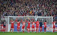 Fussball  1. Bundesliga  Saison 2013/2014  4. Spieltag SC Freiburg - FC Bayern Muenchen        27.08.2013 SCHLUSSJUBEL SC Freiburg; Laola des Team