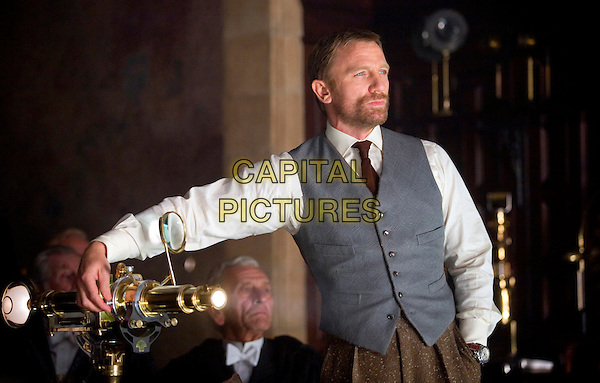 DANIEL CRAIG.in The Golden Compass.*Filmstill - Editorial Use Only*.CAP/FB.Supplied by Capital Pictures.