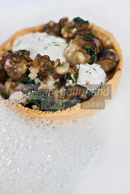 Europe/France/Poitou-Charentes/79/Deux-Sèvres/Melle: Escargots poêlés avec émulsion de lait de chèvre - Recette d' Eric  Caillon de l'Hôtel-restaurant: Les Glycines