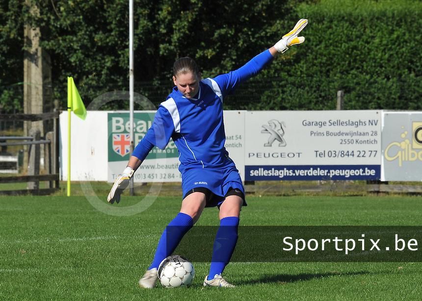 Beerschot Dames - STVV  Sint-Truiden VV Dames :.Sofie Van Houtven.foto JOKE VUYLSTEKE / Vrouwenteam.be