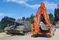 - Kosovo, checkpoint of the Italian army with Leopard tank  near the Deciani town<br /> <br /> <br /> <br /> - Kossovo, checkpoint dell'esercito italiano con carro armato Leopard presso la città di Deciani