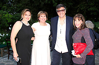 LOS ANGELES - APR 9: Michael Kichaven, Ilyanne Morden Kichaven, Kate Linder at The Actors Fund's Edwin Forrest Day Party and to commemorate Shakespeare's 453rd birthday at a private residence on April 9, 2017 in Los Angeles, California