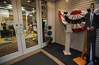 The entrance to an inauguration memorabilia store features a mock-up of the Oval Office on January 13, 2009.