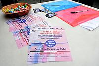 """Roma,3 Aprile 2019<br /> I sostenitori del movimento """"Popolo della famiglia"""" festeggiano in Piazza Montecitorio con bandiere contro il gender nelle scuole la raccolta di 50 mila firme per il sostegno della legge sul reddito della maternità."""