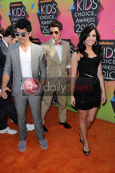 Nick Jonas, Joe Jonas and Demi Lovato<br /> at the Nickelodeon's 23rd Annual Kids' Choice Awards, UCLA's Pauley Pavilion, Westwood, CA 03-27-10<br /> David Edwards/DailyCeleb.com 818-249-4998