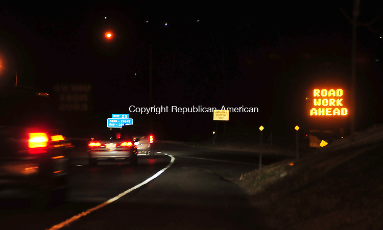 WATERBURY, CT- 20 NOVEMBER 2008 --112008JS13- Motorists on I-84 through Waterbury see a familar sign telling them road work is ahead. <br /> Jim Shannon / Republican-American