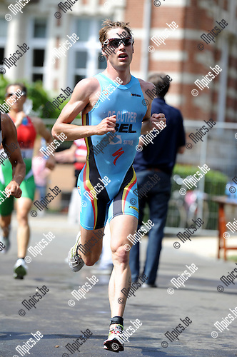 2011-05-29 / Triathlon / seizoen 2011 / Simon de Cuyper..Foto: Mpics