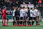 AMSTELVEEN -  teamhuddle Adam , met oa Tom Hiebendaal (Adam), Jan-Willem Buissant (Adam)   tijdens de hoofdklasse competitiewedstrijd heren, AMSTERDAM-ROTTERDAM (2-2). COPYRIGHT KOEN SUYK
