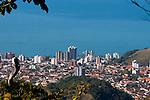 Morro de Santo Antônio,em Caraguatatuba litoral norte de São Paulo, a 340 metros de altura com vista para toda enseada de Caraguatatuba, São Sebastião e Ilhabela. É ponto de encontro das turmas da asa-delta e do parapente, que lá encontram duas rampas.