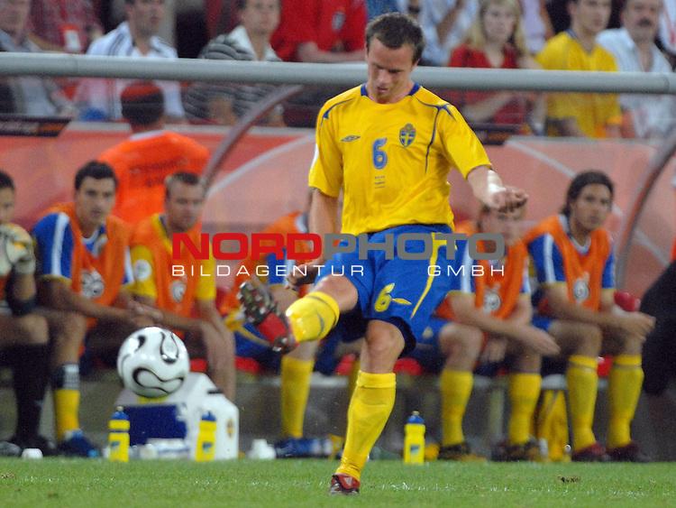 FIFA WM 2006 -  Gruppe B Vorrunde ( Group B )<br /> Play    #35 (20-Jun) - Schweden vs England <br /> <br /> Tobias Linderoth (SWE)<br /> <br /> Foto &copy; nordphoto