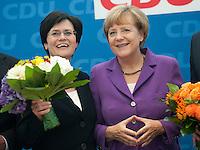 Berlin, die amtierende Ministerpraesidentin von Thueringen Christine Lieberknecht (CDU, l.) und Bundeskanzlerin Angela Merkel (CDU) am Montag (15.09.2014) im Konrad-Adenauer-Haus vor der Bundesvorstandssitzung ihrer Partei nach der Landtagswahl. Foto: Steffi Loos/CommonLens