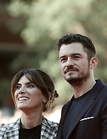 L'attore britannico Orlando Bloom posa con l'attrice italiana Maya Sansa sul red carpet per la presentazione del film &quot;Romans&quot; alla Festa del Cinema di Roma, 4 novembre 2017 .<br /> British actor Orlando Bloom poses with italian actress Maya Sansa on the red carpet to present the movie &quot;Romans&quot; during the international Rome Film Festival at Rome's Auditorium, November 4, 2017  .<br /> UPDATE IMAGES PRESS/Isabella Bonotto