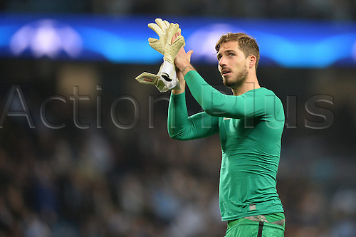12.04.2016. manchester, England. UEFA Champions league, quarterfinals, second leg. Manchester City versus Paris St Germain.  KEVIN TRAPP (psg) unhappy with the result