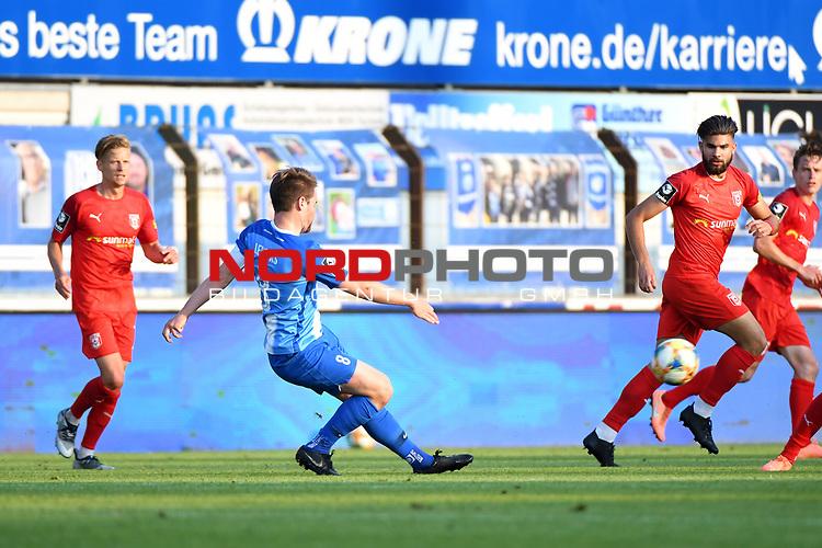 12.06.2020, Hänsch-Arena, Meppen, GER, 3.FBL, SV Meppen vs. Hallescher FC, <br /> <br /> im Bild<br /> Thilo Leugers (SV Meppen, 8) am Ball.<br /> <br /> <br /> DFL REGULATIONS PROHIBIT ANY USE OF PHOTOGRAPHS AS IMAGE SEQUENCES AND/OR QUASI-VIDEO<br /> <br /> Foto © nordphoto / Paetzel